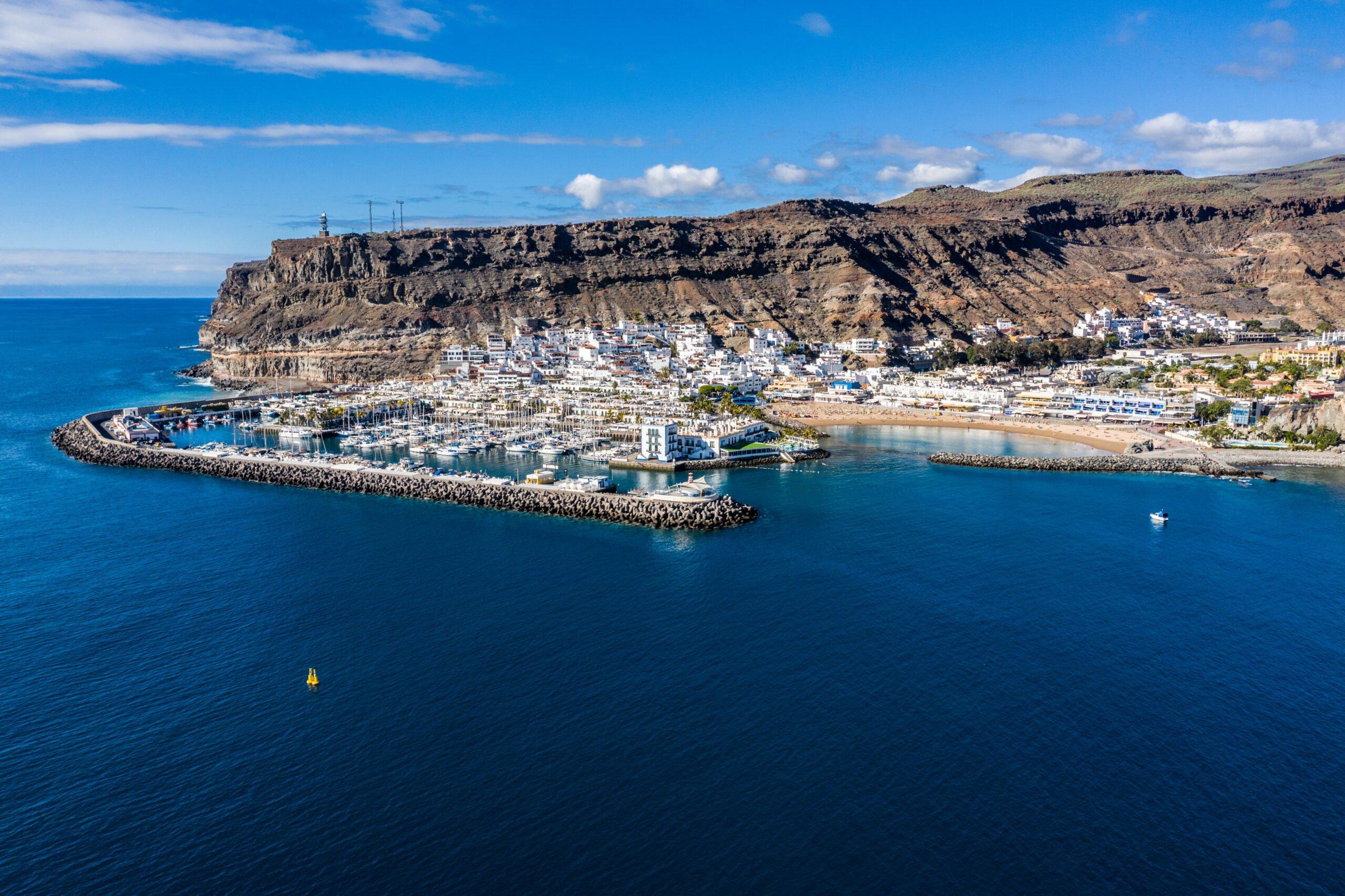 Europe – Spain – Canary Islands – Puerto de Mogán • lonelybay